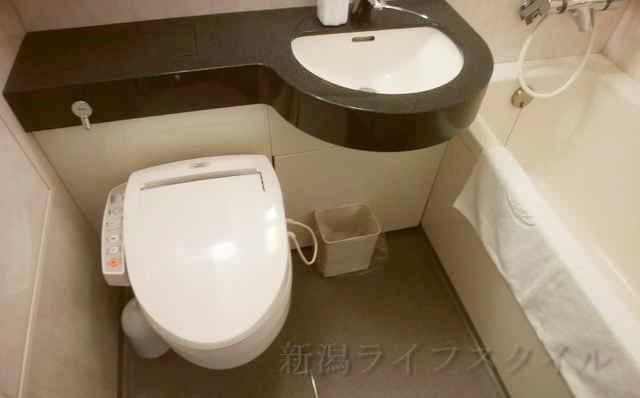 ホテルディアモント新潟西のバス・トイレ