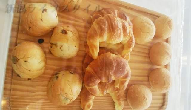 ホテルディアモント新潟西の朝食のパン