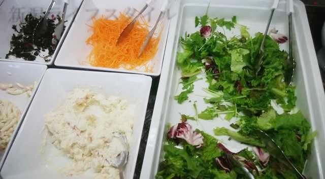 ホテルディアモント新潟西の朝食のサラダ