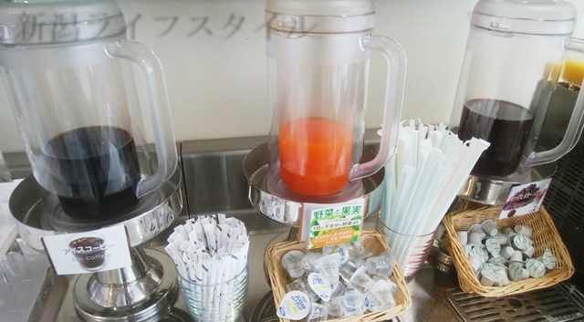 ホテルディアモント新潟西の朝食のドリンク。