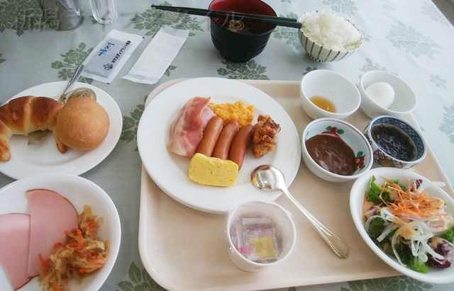 ホテルディアモント新潟西の朝食で色々取ってきた図