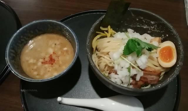 中華そば石黒の極つけ。麺とつけ汁両方