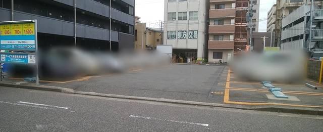パラカ新潟市東大通第2の全体像を少し離れて撮影