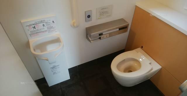 沼垂テラス商店街のトイレの大用