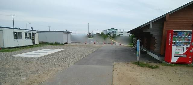 上堰潟公園の休憩所と管理人事務所