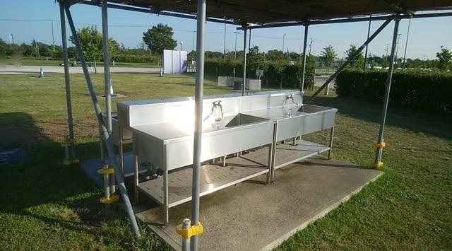 スポーツ公園バーベキュー場の洗い場