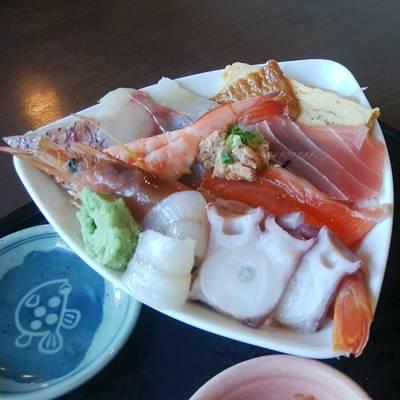 おさかな亭空港通り店のおさかな亭丼1000円