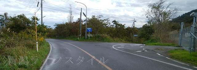 46号線と562号線が交わる三差路の標識