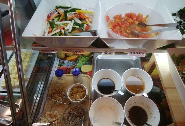 キラキラレストランのピクルスっぽい野菜コーナー