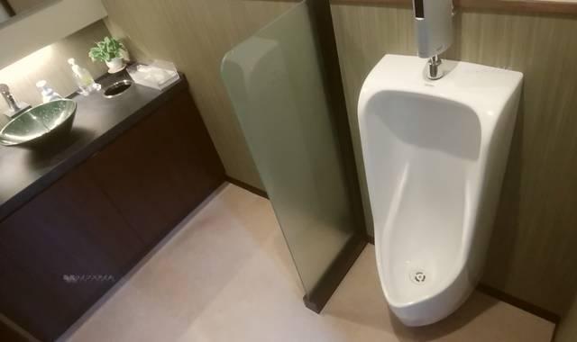 かつ一内野店の男子の小用トイレ