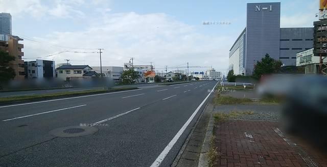 寄ってけ亭の前から信濃川方向を望んだ風景