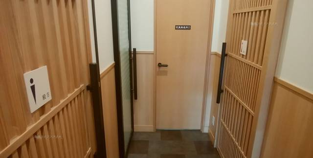 ゆず庵弁天橋店のトイレ入口