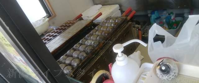 あじまん亀貝店のたこ焼きの機械