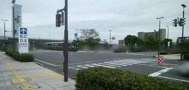 朱鷺メッセのB駐車場とC駐車場の間の交差点