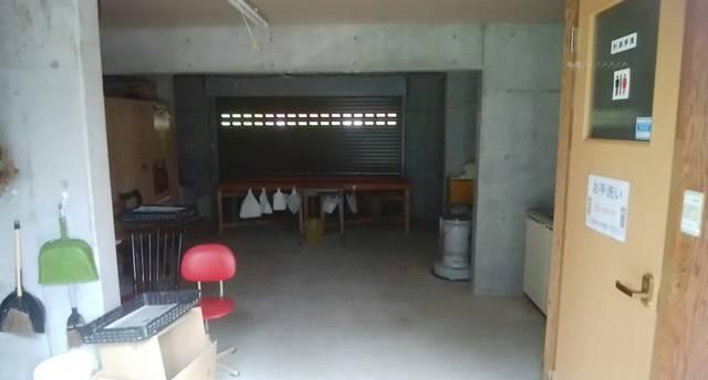 山古志油夫アルパカ牧場のトイレ入り口