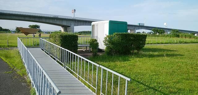 阿賀野川河川公園のバーベキュー場近くのトイレ