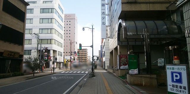 第一ホテルがある通りの明石通方向の風景